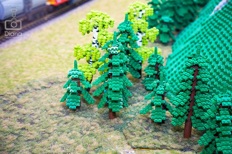 деревья из Lego