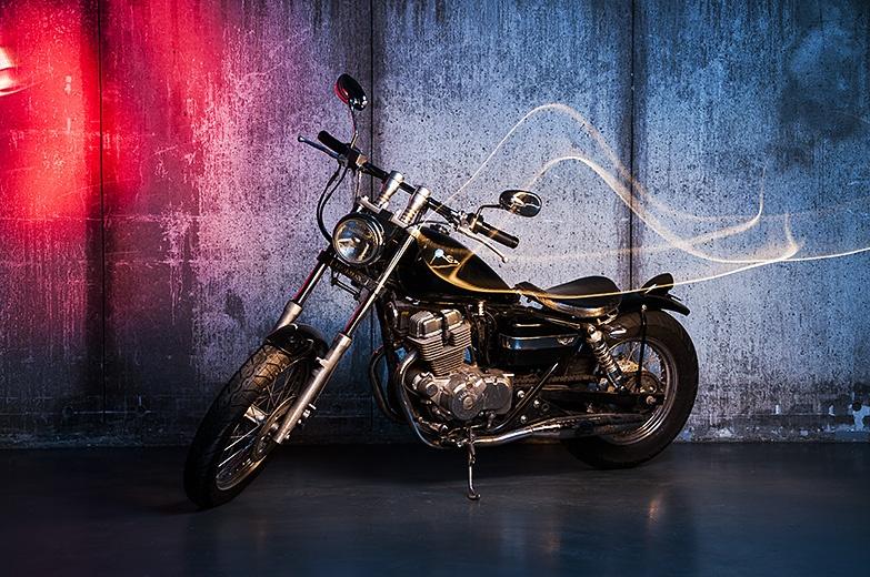 Фотостудия с мотоциклом в Москве