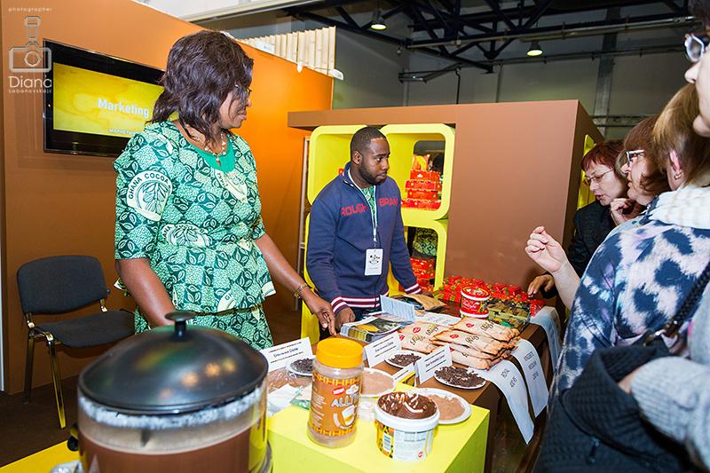 Office national du cacao et du café Сameroun bp Rfvtheyf , Кот Д`Ивуар, SALON DU CHOCOLAT, салон шоколада в Москве, шоколад, выставка шоколада, какао-боб, шоколадные платья, дефиле, кондитерское шоу, конфеты, шоколатье, кондитеры, chocolate, cocoa, candy, chocolatier, pastry chef, Ghana cocoa board, Гана, Камерун,