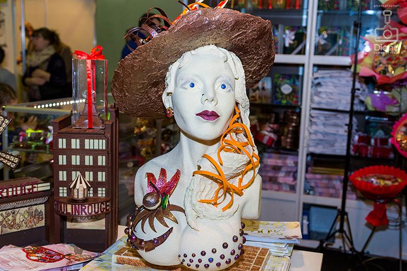 French kiss, , SALON DU CHOCOLAT, салон шоколада в Москве, шоколад, выставка шоколада, какао-боб, шоколадные платья, дефиле, кондитерское шоу, конфеты, шоколатье, кондитеры, chocolate, cocoa, candy, chocolatier, pastry chef, French kiss,