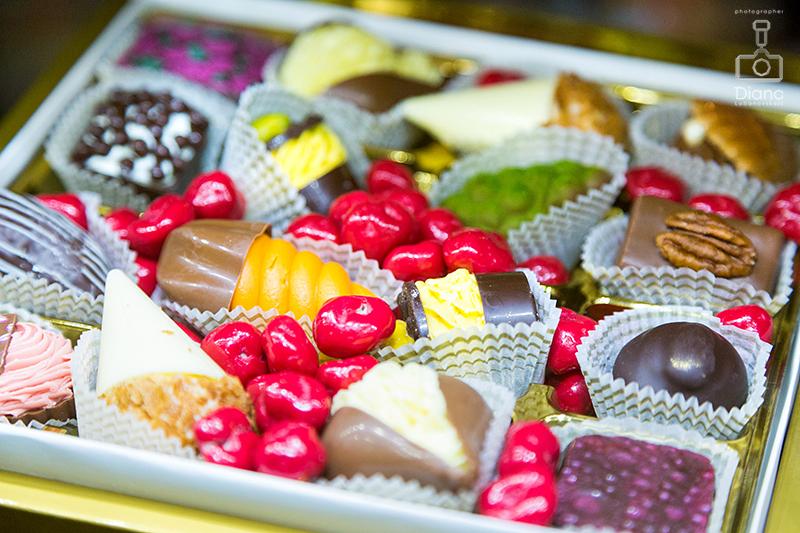 SALON DU CHOCOLAT, салон шоколада в Москве, шоколад, выставка шоколада, какао-боб, шоколадные платья, дефиле, кондитерское шоу, конфеты, шоколатье, кондитеры, chocolate, cocoa, candy, chocolatier, pastry chef, French kiss,